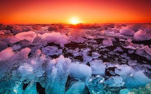 lód na Islandii podczas zachodu Słońca / piękna Islandia - Attribution 4.0 International (CC BY 4.0).